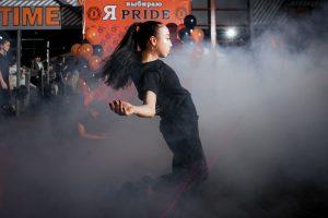 Фото с занятий современной хореографией в СК Прайд
