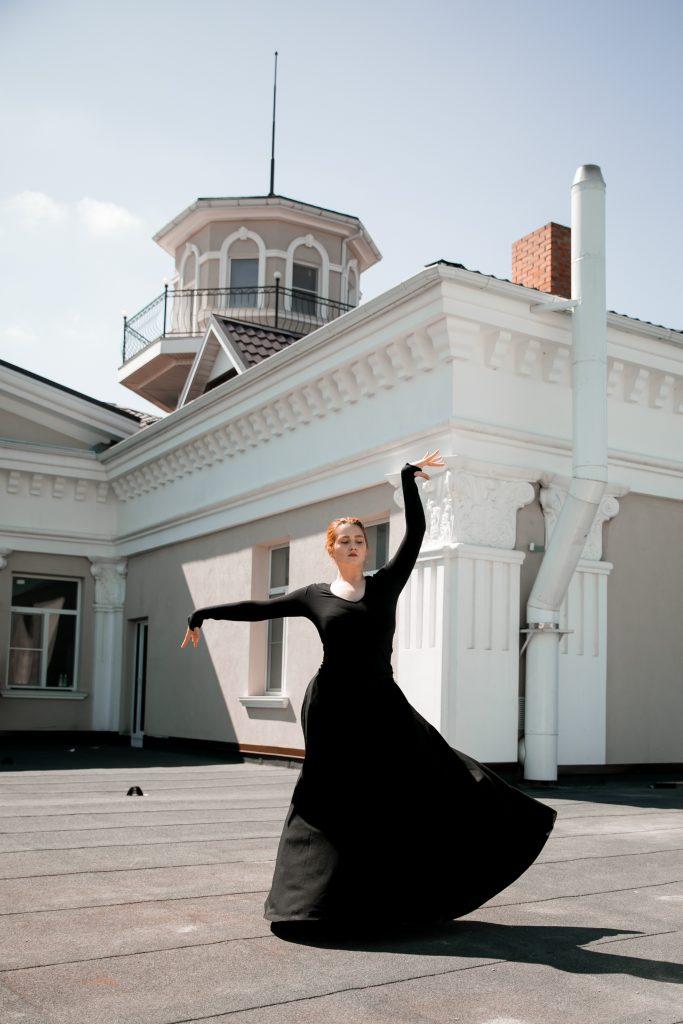 Фото с занятий Женским кавказским танцем СК Прайд